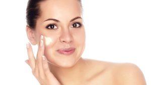 Gesichtscreme richtig auftragen – das ist ganz einfach!