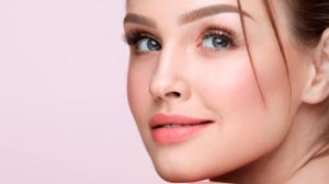 Öl, Augenbrauenserum oder Hausmittel? Wie sollten Sie die Augenbrauen pflegen?