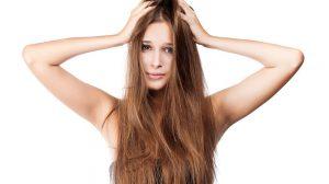 Trockene Kopfhaut richtig pflegen. 4 bewährte Methoden